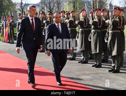 Prague, Czech Republic. 17th Apr, 2019. Czech Prime Minister Andrej Babis (left) meets Vietnamese Prime Minister Nguyen Xuan Phuc in Prague, Czech Republic, April 17, 2019. Credit: Michal Krumphanzl/CTK Photo/Alamy Live News - Stock Image