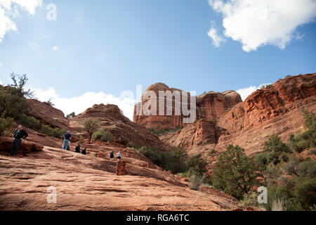 people along the beginning of the trail to Cathedral Rock - Stock Image