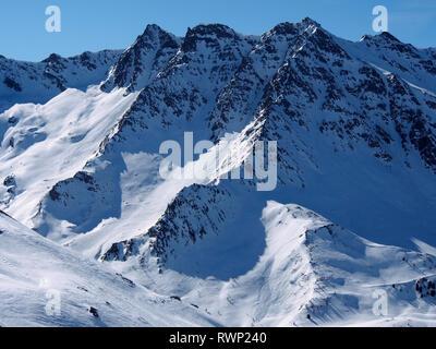 Tête de Longet from Col de Longet, Parc regional du Queyras, French Alps - Stock Image
