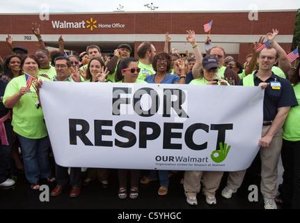 Walmart employees demonstrate in front of the Walmart Stores Inc. Home Office in Bentonville, Ark. - Stock Image