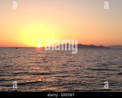 Favignana island at sunset - Stock Image