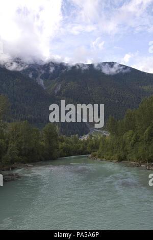 Beautiful Canadian Rockies and Green River in British Columbia - Stock Image