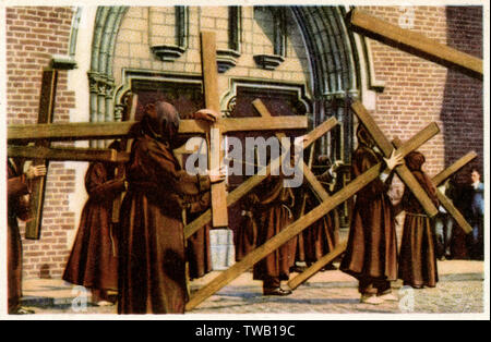FURNES Procession of the Penitents       Date: 1940 - Stock Image
