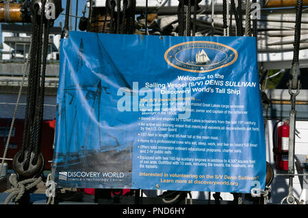 descriptive poster, S/V Denis Sullivan, Milwaukee, WI Discovery World schooner - Stock Image