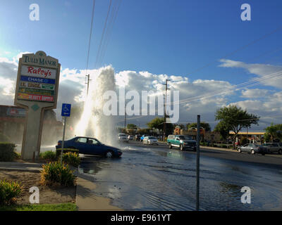 Modesto, Stanislaus county, California, USA. October 20, 2014. A solo car accident on Standiford Ave near Tully - Stock Image