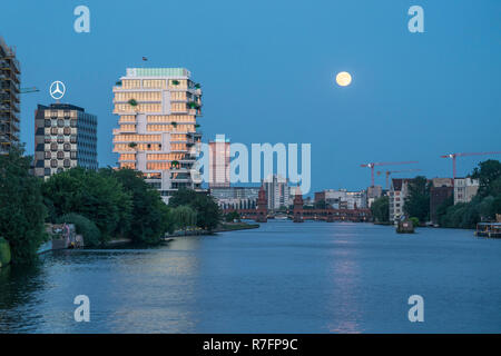 River Spree, Oberbaum bridge,  Office buildings, Aliianz tower, Treptowers, Living Levels, Skyline, Berlin , Germany - Stock Image
