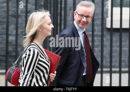 Downing Street, London, UK. 20th Mar, 2019. Michael Gove MP, Secretary of State for Environment, Food and Rural Affairs, and Elizabeth Truss MP, Chief Secretary to the Treasury. Credit: Imageplotter/Alamy Live News - Stock Image