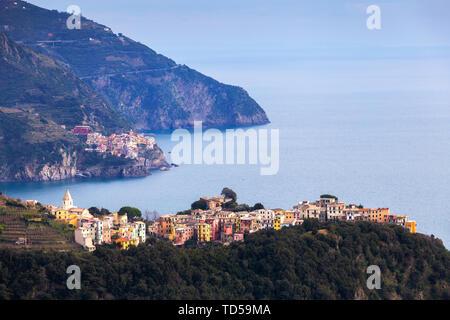Village of Corniglia and Manarola, Cinque Terre, UNESCO World Heritage Site, Liguria, Italy, Europe - Stock Image