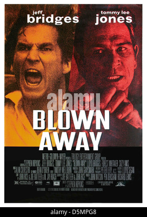 JEFF BRIDGES & TOMMY LEE JONES BLOWN AWAY (1994) - Stock Image