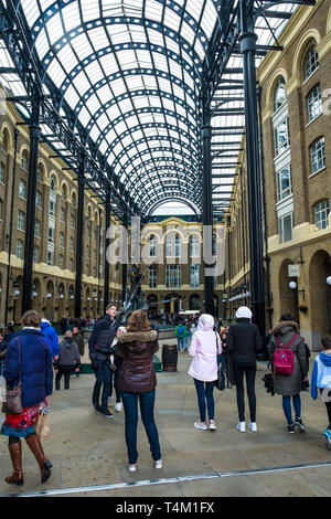 Hayes Galleria on London's South Bank. - Stock Image