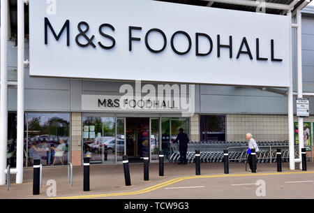 Outside M&S Foodhall, Imperial Retail Park, Bristol - Stock Image
