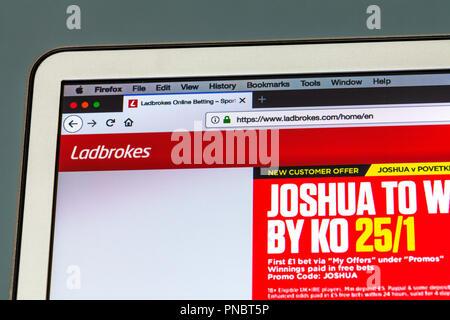 Ladbrokes, Ladbrokes website, Ladbrokes logo, Ladbrokes online, Ladbrokes gambling, Ladbrokes bookmakers, online gambling, website, homepage, gambling - Stock Image