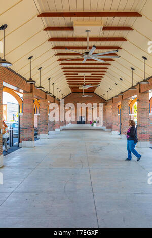 JOHNSON CITY, TN, USA-4/27/19: The farmers market building in downtown. - Stock Image