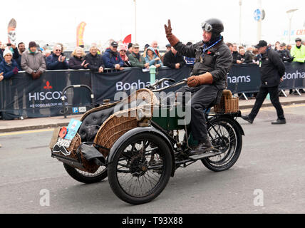 Mr Paul Reeves driving a 1904 Phoenix at the finish of the 2018 London to Brighton Veteran Car Run - Stock Image