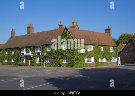 The Kings Head Restaurant and Public House, Ivinghoe, Buckinghamshire, UK - Stock Image