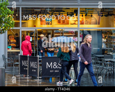 M&S Food to Go London Marks and Spencer Food to Go outlet in central London serving take away food - Stock Image