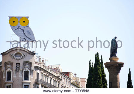 Street in the City of Barcelona in Catalunya in Spain in Europe - Stock Image