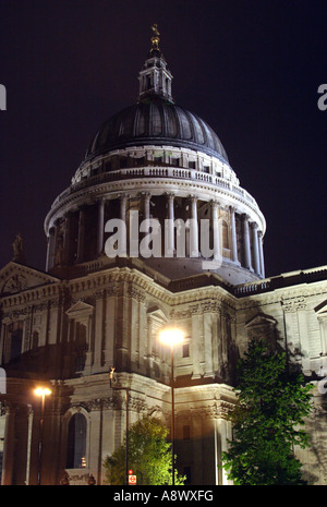 Saint Pauls Cathedral London at night - Stock Image