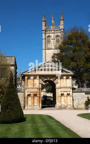 Magdalen College from Oxford Botanical Gardens, Oxford University, Oxford, Oxfordshire, UK - Stock Image
