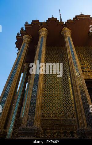 Royal Pantheon mosaic walls in  Prasat Phra Thep Bidon, Grand Palace Complex, Bangkok, Thailand - Stock Image