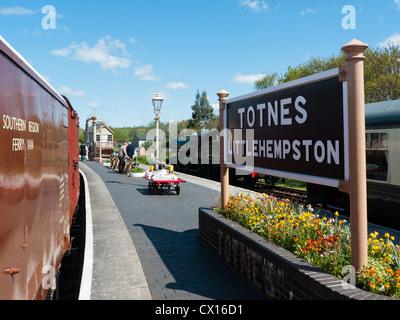 Totnes Littlehempston station on the South Devon Railway line in Britain - Stock Image