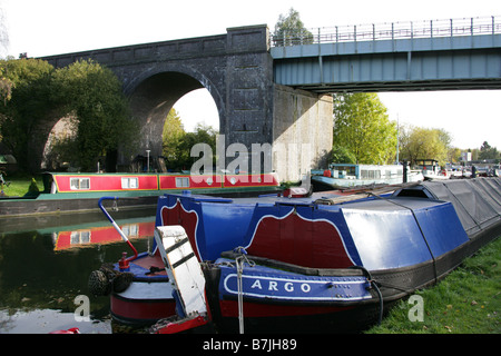 The Metropolitan Tube Bridge over the Grand Union Canal Near Cassiobury Park and Croxley Marina, Watford, Hertfordshire, - Stock Image