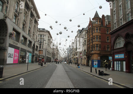 London, UK. 25th Dec, 2018: Oxford Street east bound, Streets in the City of London were virtually empty on Christmas day with no public transport running on 25th December 2018. Some parts of the city experienced dense fog which is expected to linger for the rest of the week. Credit: David Mbiyu/Alamy Live News - Stock Image