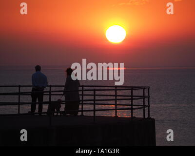 Sheerness, Kent, UK. 21st May, 2019. UK Weather: this evening's sunset in Sheerness in Kent.  Credit: James Bell/Alamy Live News - Stock Image