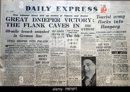 Front page headline in the Daily Express newspaper 'Great Dnieper Victory The Flank Caves In' January 8 1944,  London  England UK - Stock Image