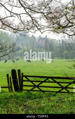 Farmland near the village of Worfield in Shropshire, UK - Stock Image
