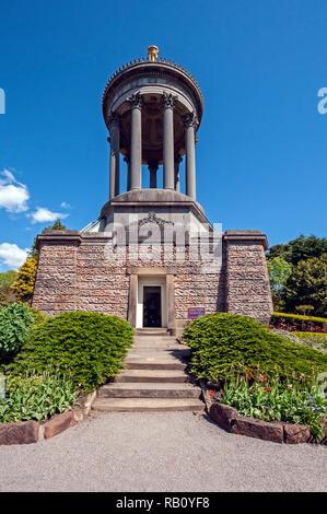 Robert Burns Monument in the Burns National Heritage Park Alloway Scotland - Stock Image