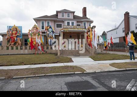 The ornate exterior of the Hindu Dayaram Mandir in Jamaica, Queens, New York City. - Stock Image