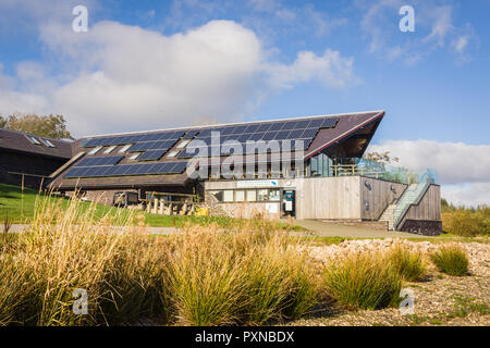 Llyn Brenig visitors centre run by Dwr Cymru or Welsh Water where visitors can hire bikes or fishing boats and eat at the cafe - Stock Image