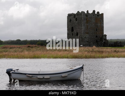 Threave Castle and Boat - Stock Image