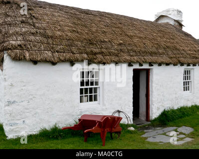 RS 8067   Harry Kelly's Cottage, Cregneash, Isle of Man, UK - Stock Image