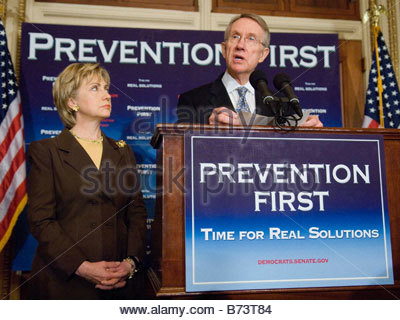 05 10 06 Senator Hillary Rodham Clinton D N Y and Senate Minority Leader Harry Reid D Nev during a news conference - Stock Image