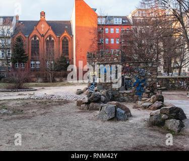Berlin Mitte, Christ the Redeemer Methodist Church & Heinrich-Zille-Park, Children's adventure playground in Bergstraße, - Stock Image