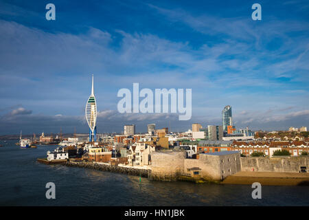 Old Portsmouth the Round Tower and the Spinnaker tower at the entrance to Portsmouth Harbour - Stock Image