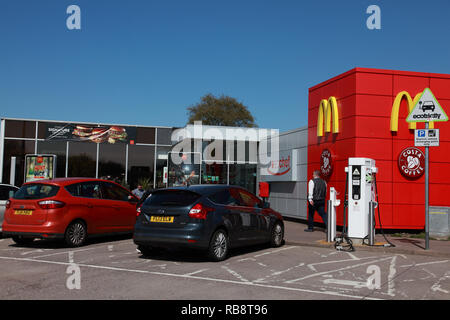 The entrance to the M6 service station at Sandbach, Cheshire, when travelling north - Stock Image