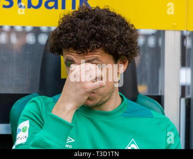 sports, football, Bundesliga, 2018/2019, Borussia Moenchengladbach vs SV Werder Bremen 1-1, Stadium Borussia Park, players bench, Milos Veljkovic (Bremen), DFL REGULATIONS PROHIBIT ANY USE OF PHOTOGRAPHS AS IMAGE SEQUENCES AND/OR QUASI-VIDEO - Stock Image