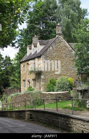 Stone built house, Hook Norton - Stock Image