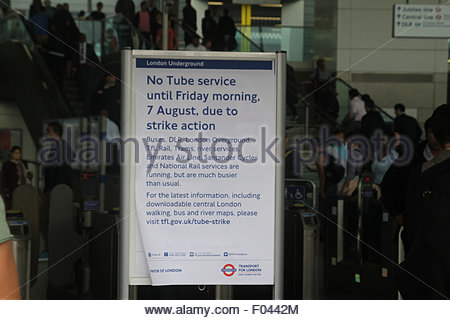 London, UK. 6th Aug, 2015.  Strike notice An extra 250 buses, including the older routemaster models, were added - Stock Image