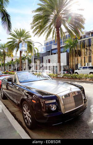 Rolls Royce parked on Rodeo drive, Beverly Hills, Los Angeles, California. - Stock Image