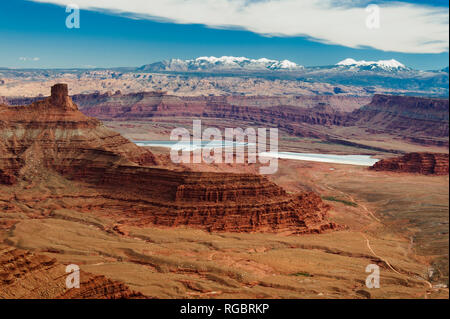 Spectacular panorama of mesas and La Sal Mountains, Dead Horse Point State Park, Utah, USA. - Stock Image