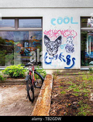 Outdoor area at ACUD cultural centre in Veteranenstrasse with graffiti & street art . Mitte,Berlin - Stock Image