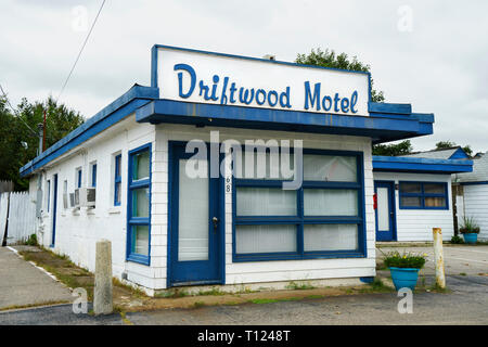 The closed and abandoned Driftwood Motel in Old Orchard Beach, Maine, USA. - Stock Image