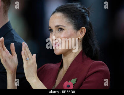 Prince Harry, Duke of Sussex and Meghan, Duchess of Sussex attend the Wheelchair Basketball final at the Invictus Games on October 27, 2018 in Sydney, Australia. - Stock Image