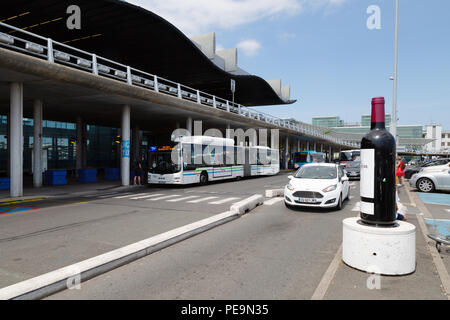 Bordeaux Merignac airport, terminal exterior, Bordeaux, France Europe - Stock Image