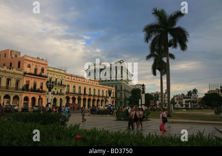 Cuba. Havana. Parque de la Fraternidad & Paseo de Marti with Hotel Saratoga behind. Photo CUBA1206 Copyright - Stock Image