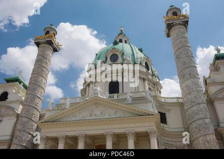 Rektoratskirche St. Karl Borromäus, Karlskirche, Karlsplatz, Vienna, Austria - Stock Image